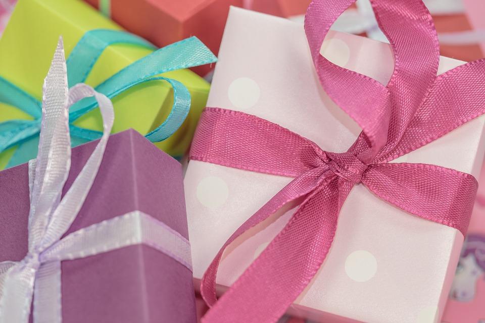 gift-553143_960_720.jpg