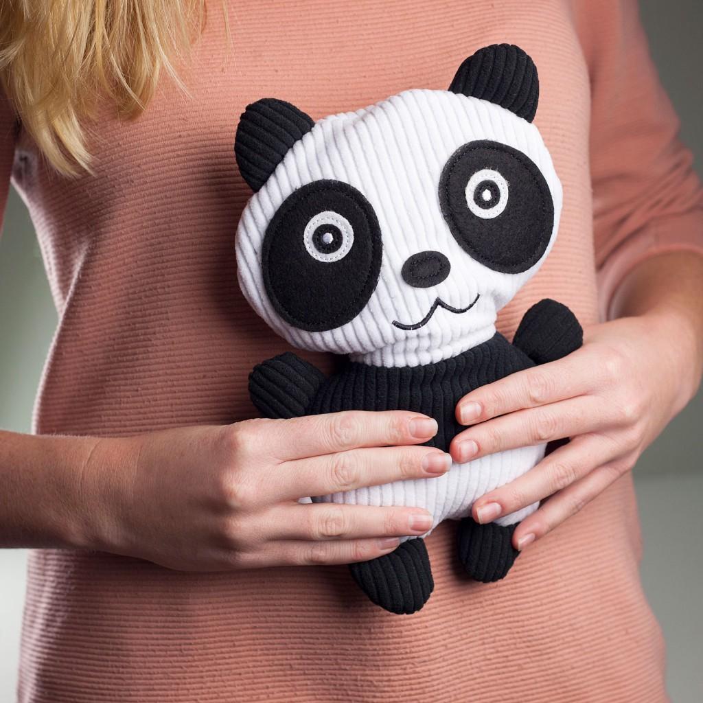 994798-Huggable-Panda-1